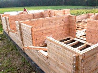 Особенности сборки стен при строительстве домов из бруса