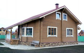Оформление окон в деревянном доме
