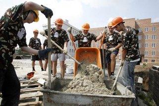 Цемент – незаменимый материал на стройплощадке