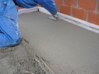 Достоинства цементно-песчаной стяжки для выравнивания полов